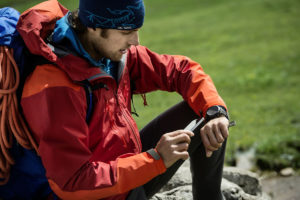 contacting a friend before a hike