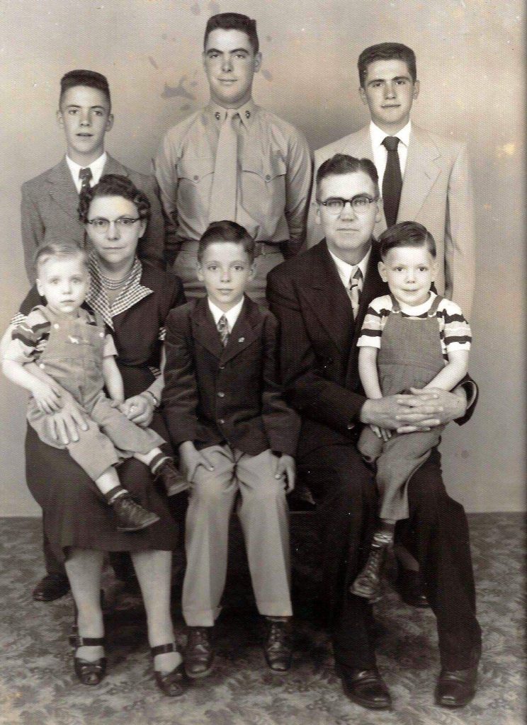 Wilbur Gabel with his siblings and parents.