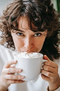 How to make Chai Hot Chocolate #heathereareles #herbnwisdom #naturalliving #chaihotchocolaterecipes #northerngirl